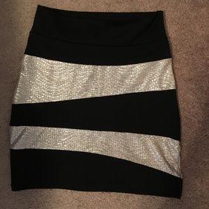 A-line pencil mini skirt. Black and metallic